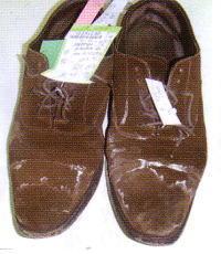 靴に出る白い粉