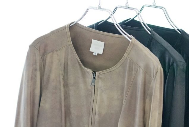 革ジャケットのクリーニング作業